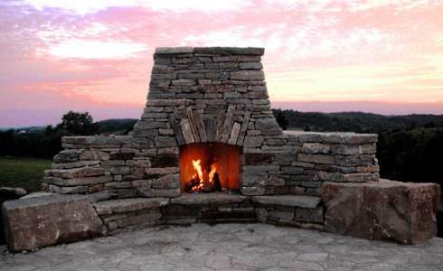 Build a stone fireplace in your back yard by stacking the stones naturally.....with the help of a worldwide network of resources dedicated to perpetuating an age-old tradition!