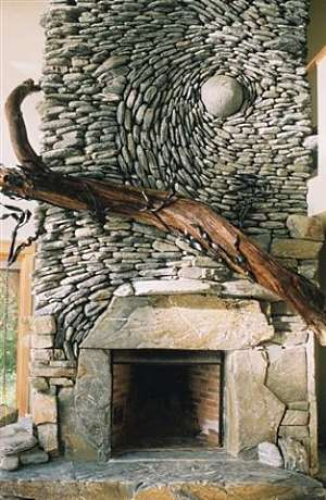 Ideas for building a fireplace that really rocks - Beautiful stone fireplaces that rock ...
