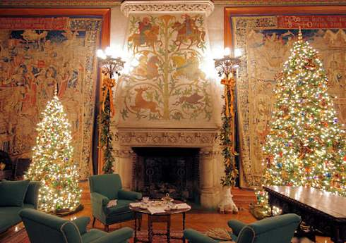 Holiday Fireplace Photos . . . A Gilded Age Christmas!