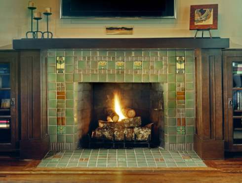 Photos of fireplaces a host of heartwarming hearths for Craftsman gas fireplace